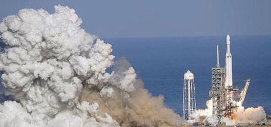 SpaceX将把跑车送入太空