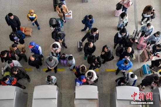 节前铁路客流高峰来临 9日预计发送旅客940万人次