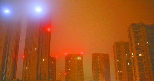 昨日凌晨3点16分厦门市区雨雾景致