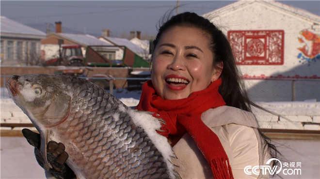 """黑龙江富锦:抛""""年""""鱼"""