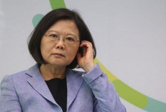 台媒劝蔡英文悬崖勒马:认但是中国人两岸春暖花