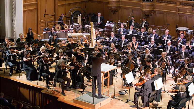 指挥家克里斯蒂安·雅尔维将带领俄罗斯国家模范交响乐团率先登台