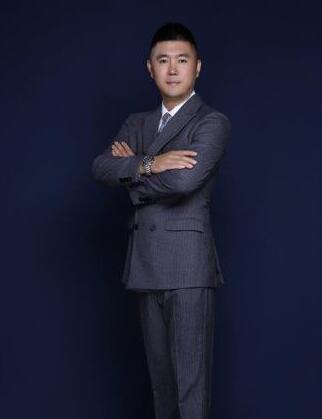 [刘峻名担任公益电视栏目《让世界爱上中国节》总导演