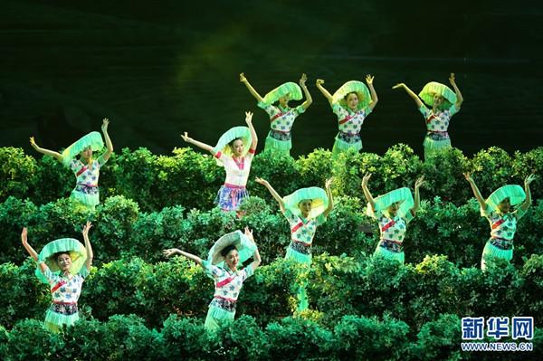 大型赣南民俗音画《客家儿郎》在北京国家大剧院歌剧厅上演 图片来源:新华网