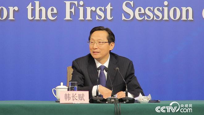图为农业部部长韩长赋回答记者提问。央视网记者 何川、高宇婷 摄