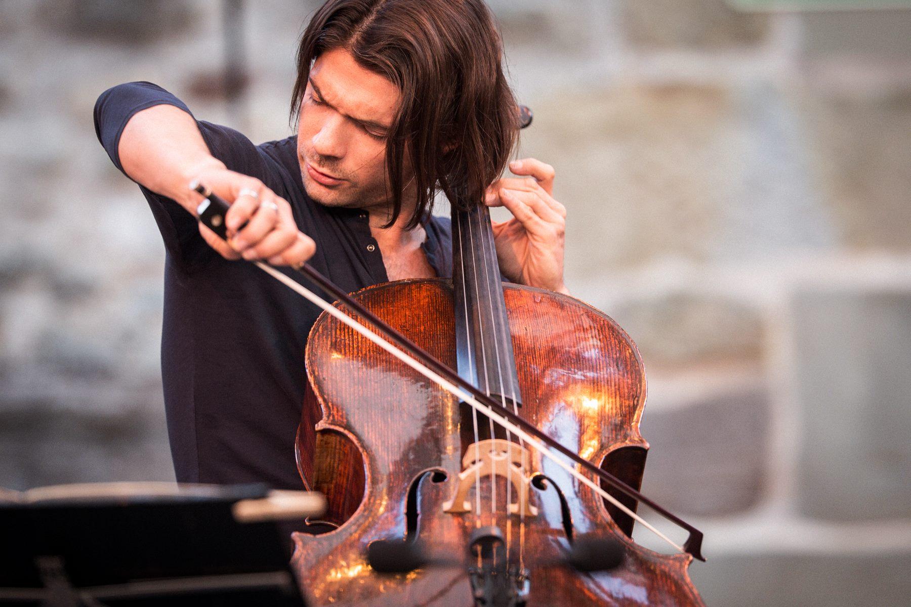 大提琴演奏家戈蒂耶·卡普松