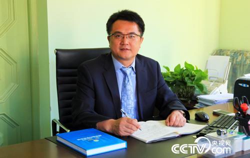上海市卫生发展研究中心主任 金春林