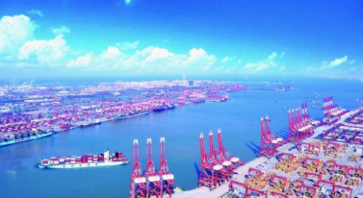山东青岛前湾港(图片来源:大众日报)