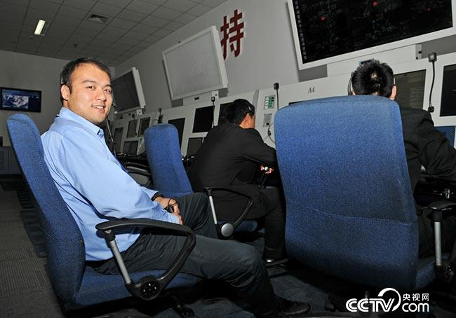 """【中国梦实践者】航空管制员白剑:13年守护""""空中生命线"""""""