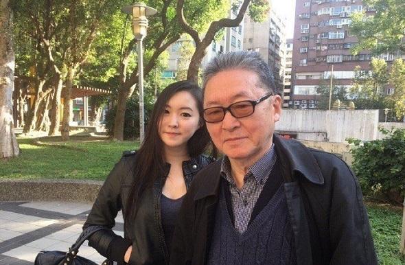 """李敖与小女儿李谌的合照。(图片来源:台湾""""联合新闻网"""")"""