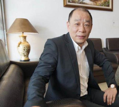 """桃园百伦饭店总经理李志华表示,从陆团锐减,生意不好做,""""天天都是小月"""""""