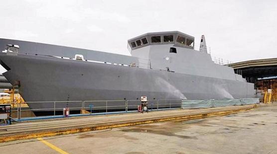 """庆富昨发布新闻稿称,首艘猎雷舰28日依计划在意大利顺利下水。不过台""""防部""""响应说,这只是""""船壳"""",已和军方无关"""