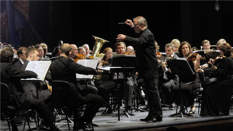 马林斯基交响乐团和马林斯基合唱团将在指挥大师瓦莱里·捷杰耶夫的带领下再次来到国家大剧院