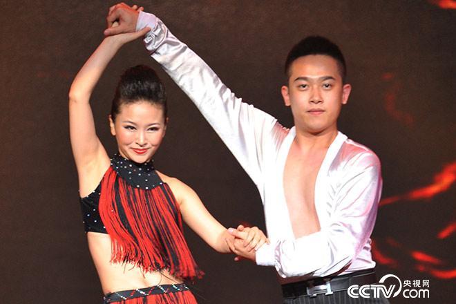 廖智展示拉丁舞,震撼全场!