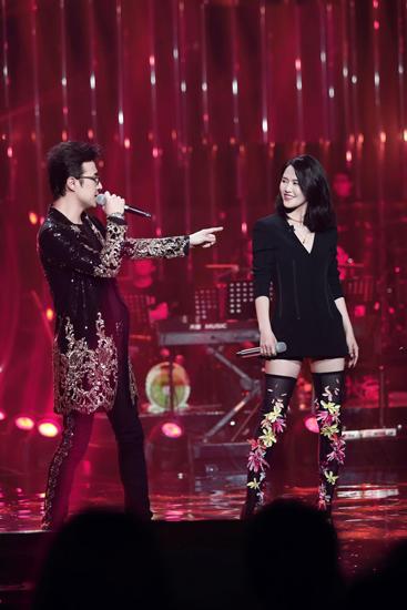 [汪峰歌手收官 《我爱你中国》唱出心声全场感动