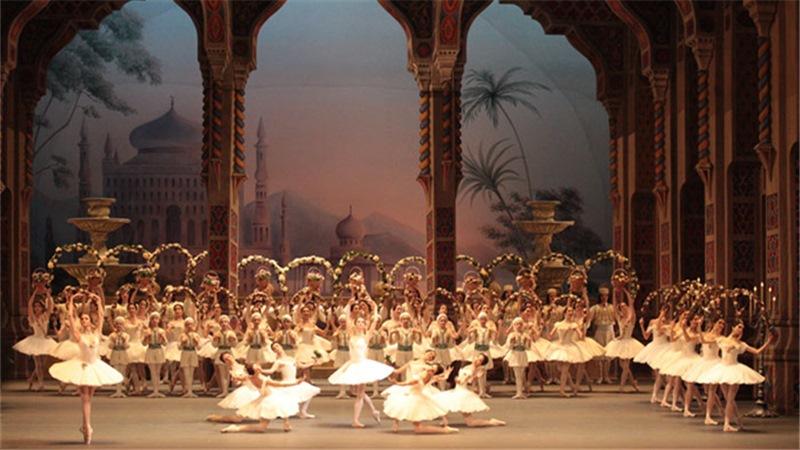 莫斯科大剧院芭蕾舞团,是目前全球最大、最出名的舞蹈院团之一
