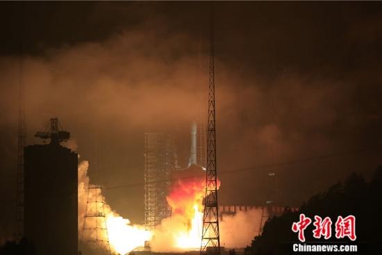 4日0时06分西昌卫星发射中心用长征三号乙运载火箭,成功将亚太6C卫星(APSTAR-6C)送入太空预定轨道。长城公司 供图