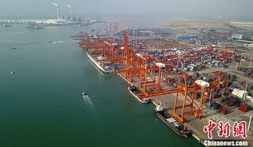 资料图:广西钦州保税港区码头。中新社记者 俞靖 摄