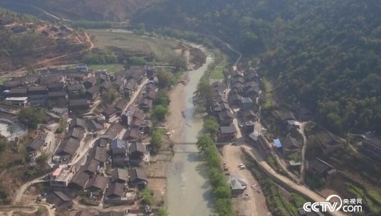 乡土:乡土中国美好生活 爱在这村寨 5月10日
