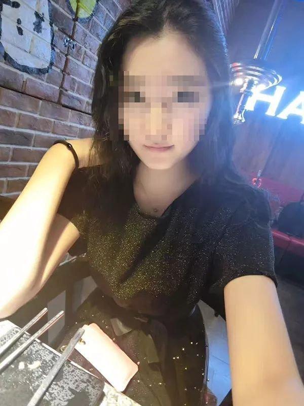空姐李某珠照片