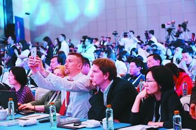 数博会吸引了来自海内外的众多嘉宾。