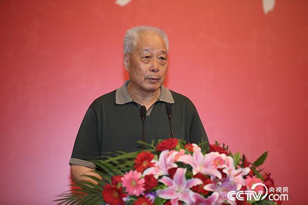 教育部原党组副书记、副部长、(全国)教育书画协会会长张保庆