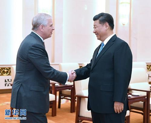 5月29日,国家主席习近平在北京人民大会堂会见英国约克公爵安德鲁王子。 (图片来源:新华社)