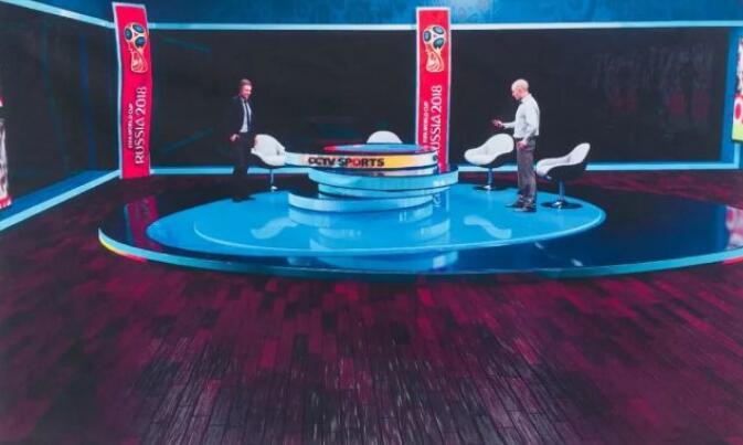 演播厅效果图。红场融媒体演播室拥有100平方米的演播厅,100平方米的导控室,30平方米的工作间。