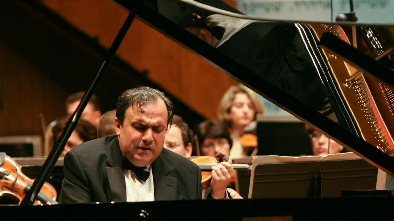 钢琴家叶菲姆·布朗夫曼