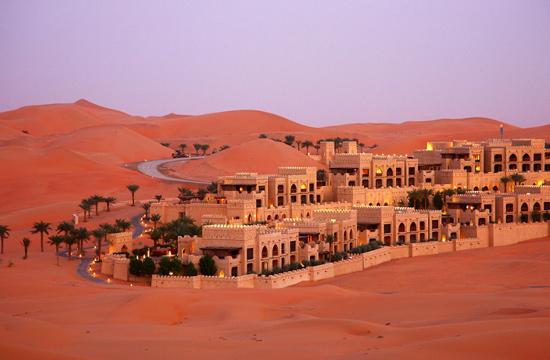 世界上最干燥的阿拉伯沙漠,竟然出現了湖泊!圖片