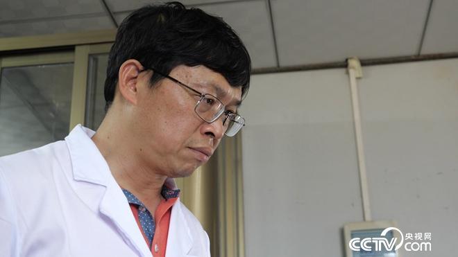 [美足电影经]广东广州阳会军养鱼 一斤草鱼价格提升50%多的秘密