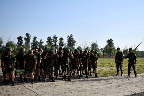 武装五公里 跑出血性和士气