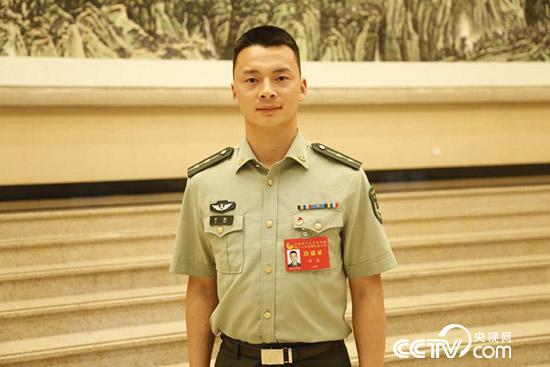 共青团十八大解放军和武警部队代表刘威