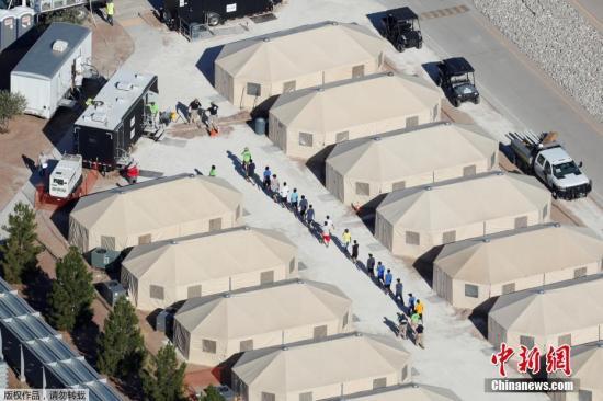 美爆发游行吁废移民执法机构 特朗普:他们非常出色