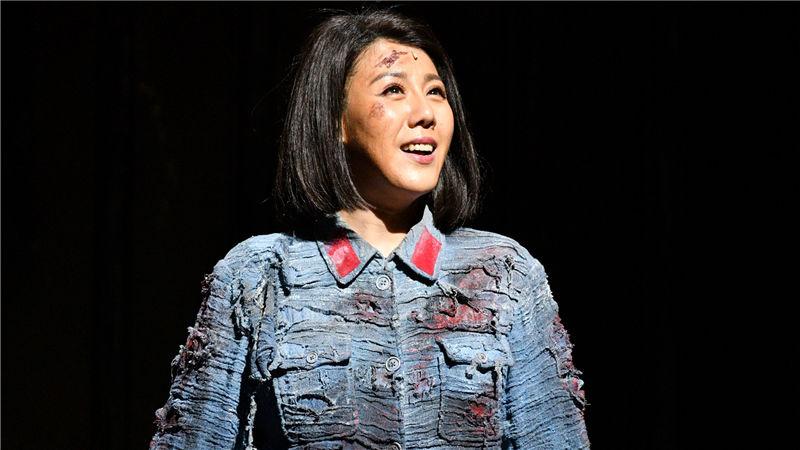 由歌唱家阎维文、王宏伟和王喆领衔的民族组歌唱阵容在当晚的演出中表现精彩 凌风/摄