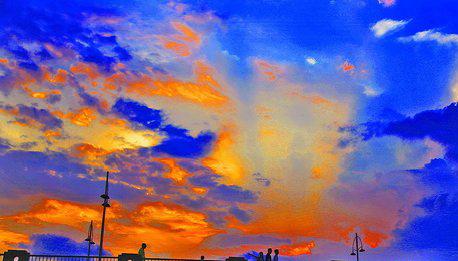 昨日厦门闷热,图为昨日傍晚云景。 姚凡 摄