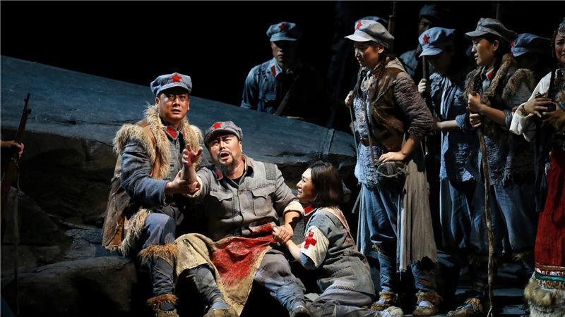 国家大剧院原创中国红色经典民族歌剧《金沙江畔》剧照