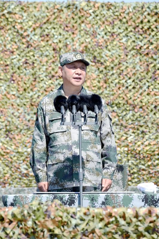 2017年7月30日上午,慶祝中國人民解放軍建軍90周年閱兵在朱日和聯合訓練基地隆重舉行。來源:新華社