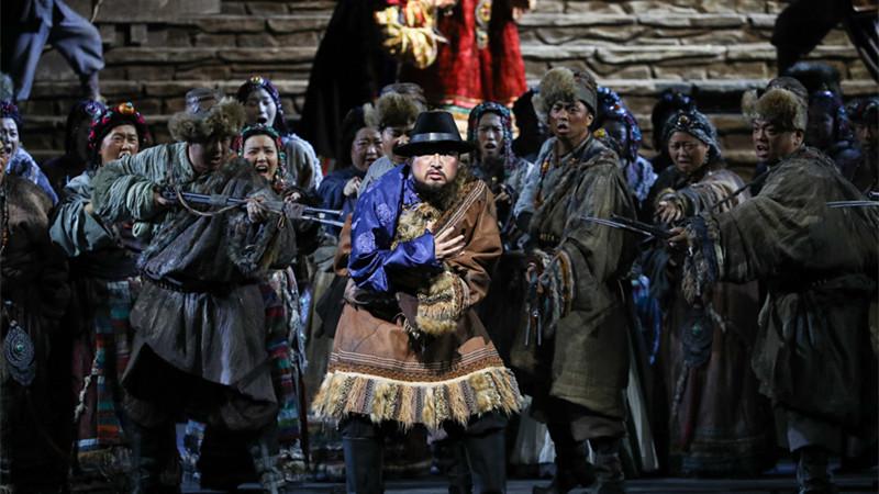 歌唱家们的动情演绎将剧中主要人物深深烙印在观众心中 王小京/摄