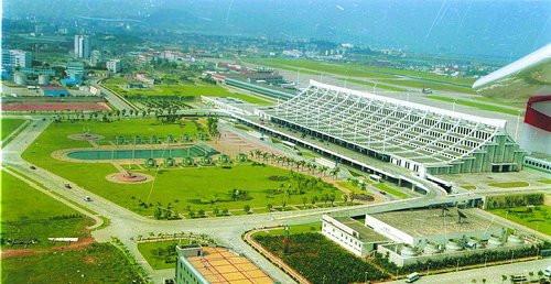 厦门机场:如今国际大机场 当年仅一条跑道
