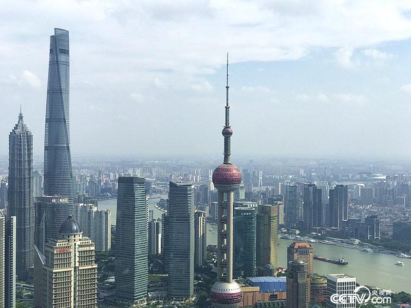 长三角更高质量的一体化发展,将建成具有全球竞争力的世界级城市群。图为上海陆家嘴(孔华/摄)