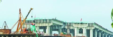 国省干线联十一线控制性工程北溪特大桥正在加快施工