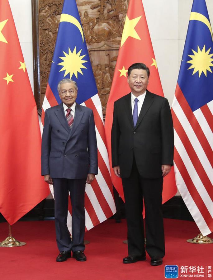 习近平会见马来西亚总理马哈蒂尔