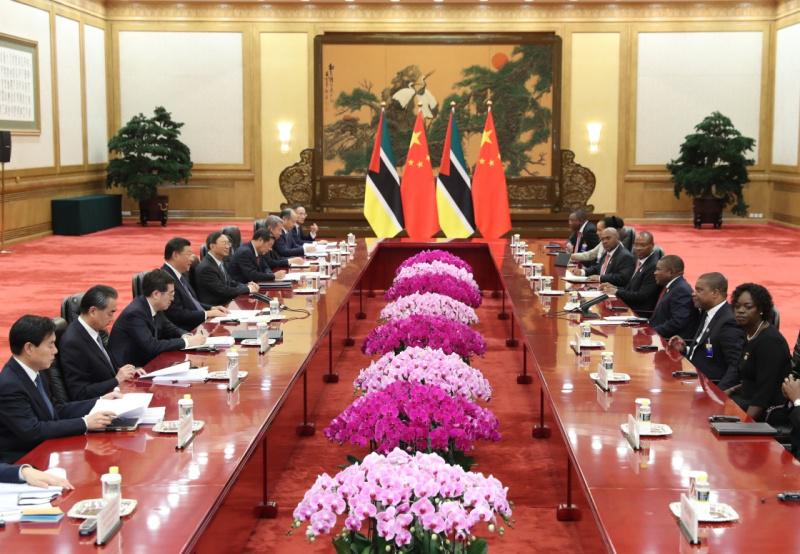 9月1日,国家主席习近平在北京人民大会堂会见莫桑比克总统纽西。新华社记者 庞兴雷 摄