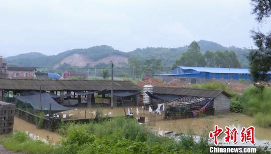 廣西賀州市遭遇強降雨洪水致1.4萬餘人受災