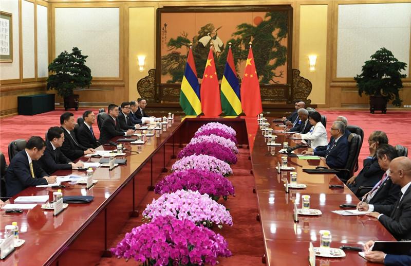 9月2日,国家主席习近平在北京人民大会堂会见毛里求斯总理贾格纳特。新华社记者 高洁 摄