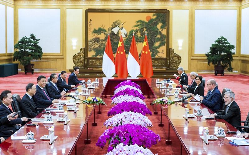 9月7日,国家主席习近平在北京人民大会堂同摩纳哥元首阿尔贝二世亲王举行会谈。新华社记者 刘彬 摄