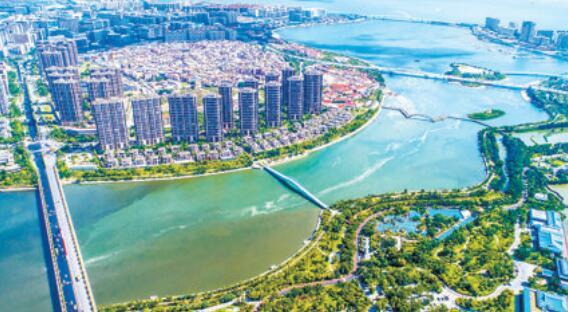 湖里区阔步建设现代化中心城区,积极打造一流营商环境。