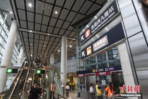 【幸福的感觉 作文】广深港高铁今日全线开通 香港至北京不到9小时