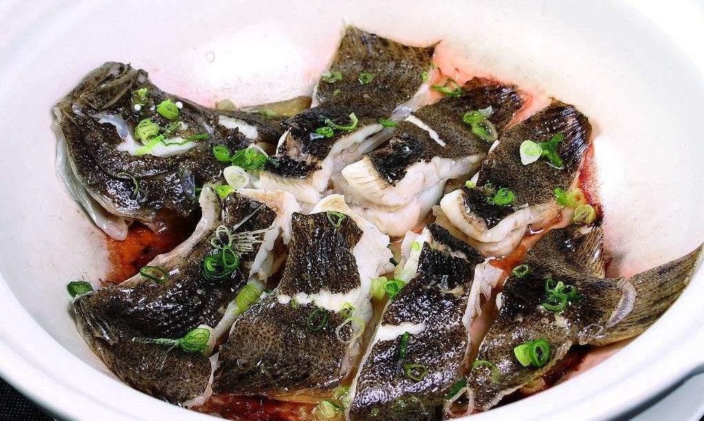家常菜:盐焗荷香多宝鱼的做法